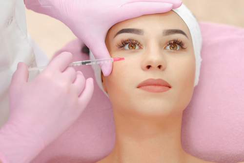Difference between Botox & Fillers – How to Choose the Right Treatment
